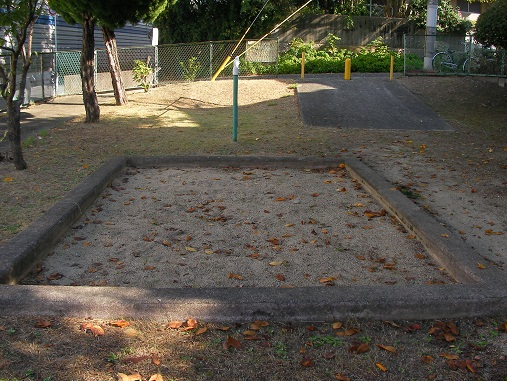 北の町第3遊園 砂場清掃前