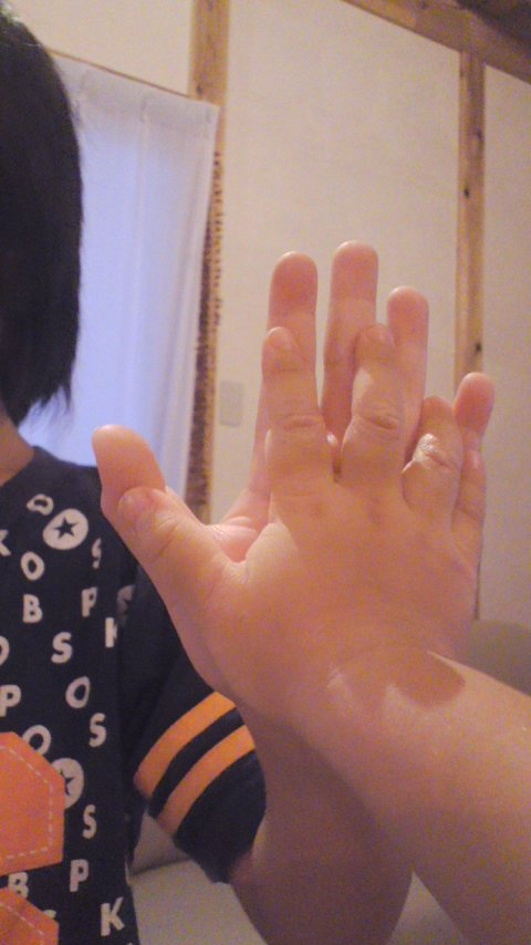 コタの手、ももの手。