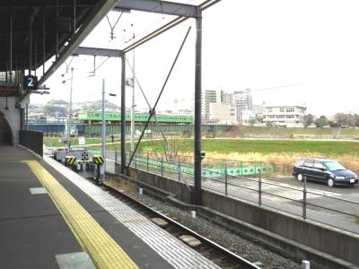 宇治川を渡るJR奈良線