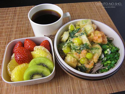 海老と銀杏のかき揚げ蕎麦弁当01