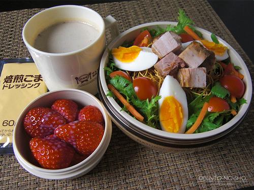 パリ麺の叉焼サラダ弁当01