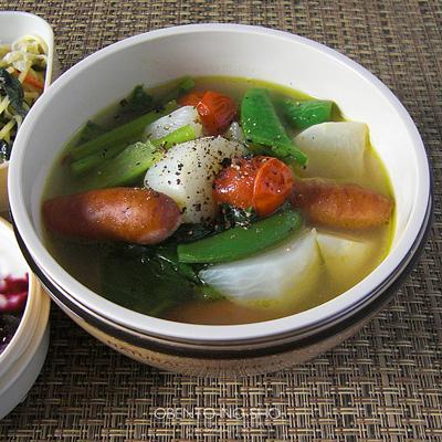 蕪とシャウエッセンのスープ弁当02