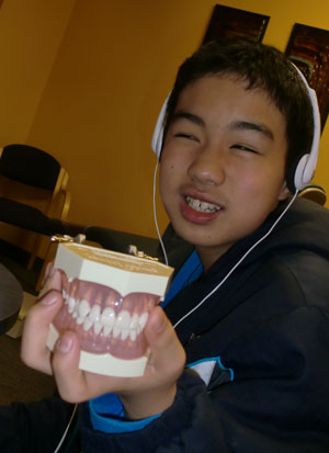 orthodontist12121403.jpg