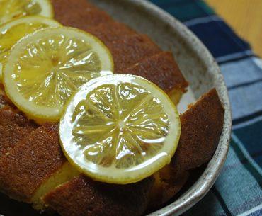 レモンのせケーキ