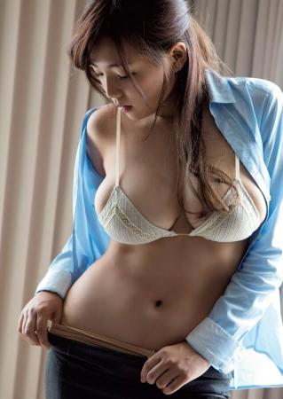 篠崎愛004