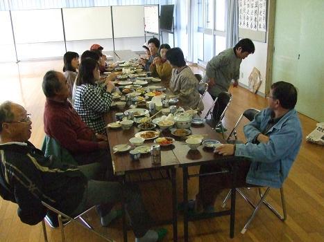 2012 弁当作りⅡ お食事タイム