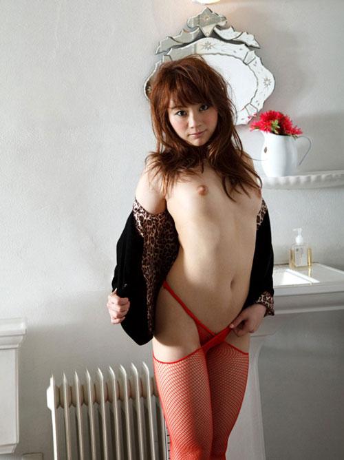 網タイツがセクシーな美女が誘惑