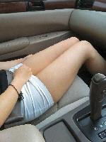 【画像】車内で撮影された素人のおっぱいや太もも画像