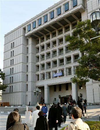 a 歌手の島倉千代子さんの曲などが庁内放送から消えた大阪市役所