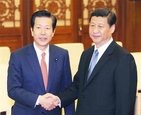 a 中国の習近平共産党総書記と公明党の山口代表