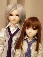 二人とも紫ネクタイなのは偶然です。