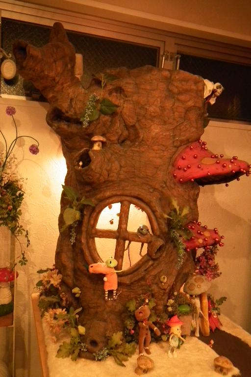 カエルちゃんとキノコのお家。