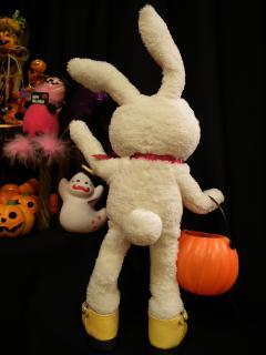 寿三郎先生のウサギのお人形は60万円。画像のウサとは無関係です。