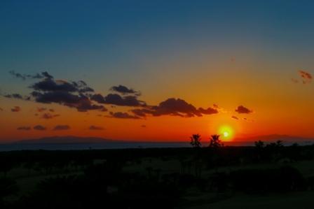 冬の大島と夕陽