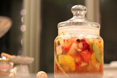 トマトミョウガキャベツいちごベリーパイナップル大根玉ねぎピンクペッパー人参