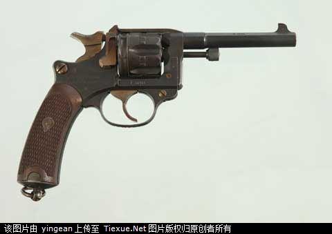 法國贈徐信的陸伯1892式轉輪手槍