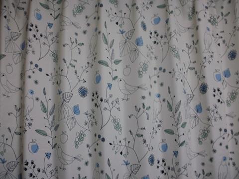 鳥さんもようのカーテン