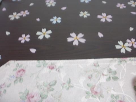 桜もようのテーブルクロス