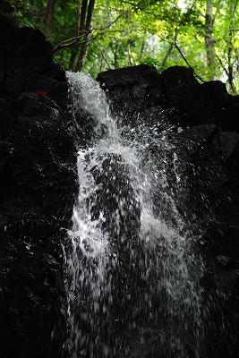 品の滝 13