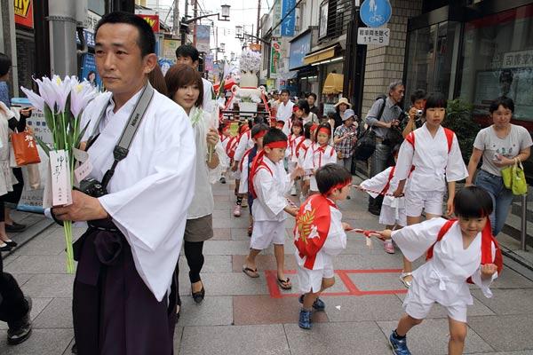 率川神社 ゆり祭り4