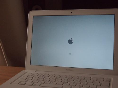 MacBookメモリ交換01