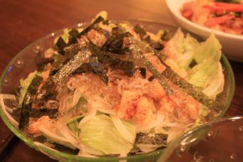 カリカリお揚げと雑魚のサラダ