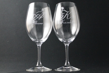 11月22日「いい夫婦の日」はペアグラスで乾杯♪