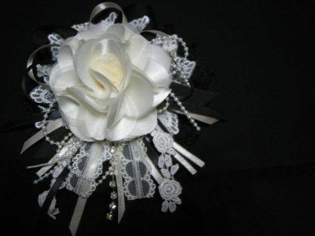 白いお花を置いてみた