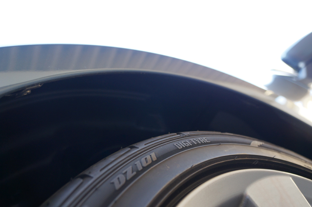 BMアクセラにRX-8用18インチホイール・タイヤを履かせてみる フロント