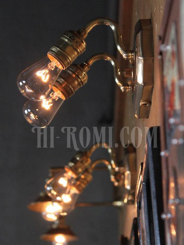 工業系真鍮製スクエアベース2灯ブラケット/ヴィクトリアンウォールランプA/壁掛け照明/インダストリアル