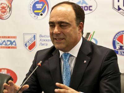 俄职业冰球大联盟总经理声称要在俄航母上打冰球