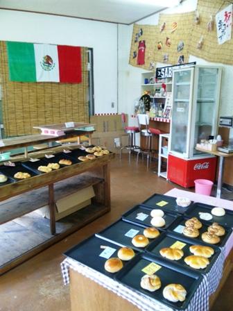 垣本菓子店:店内1