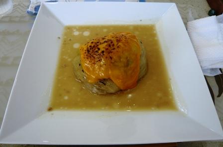 ハイタイドカフェ:石垣牛のロールキャベツ焼チーズ乗せ
