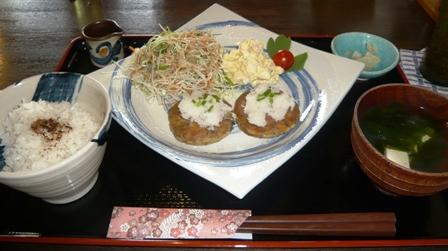 花南:豆腐ハンバーグ定食