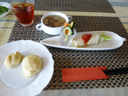 HANA CAFE:サラダ、スープ、パン
