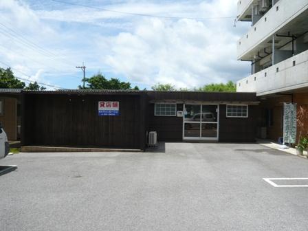 GLOW STAR CAFE:お隣の麺屋やいま閉店