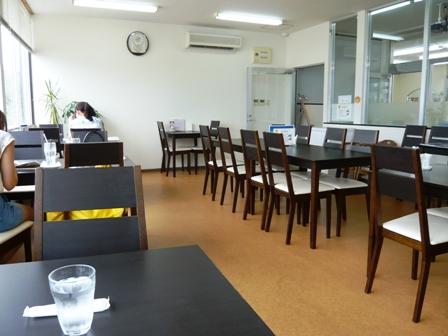 琉球真珠直売所:R's Cafe;店内