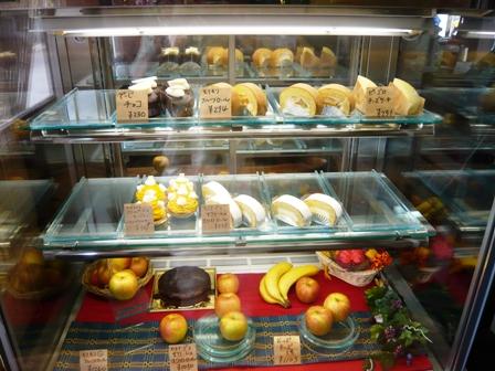 PAPIRU:ケーキショーケース