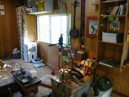 南島茶屋:ツヨちゃんの貝の加工場