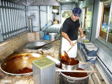やし屋:黒糖作り