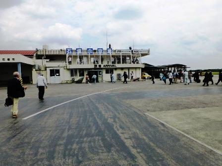 3月6日の旧石垣空港:JTA送迎デッキ