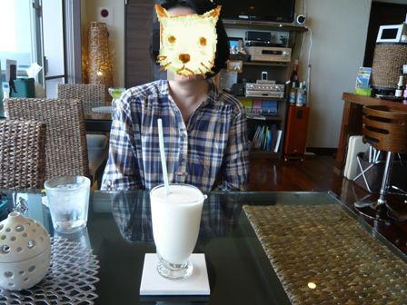 caffe Maruyoshi:生フルーツシェイク・ピーチパイン