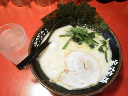 20120701_横浜家系ラーメン大和家淵野辺店-004