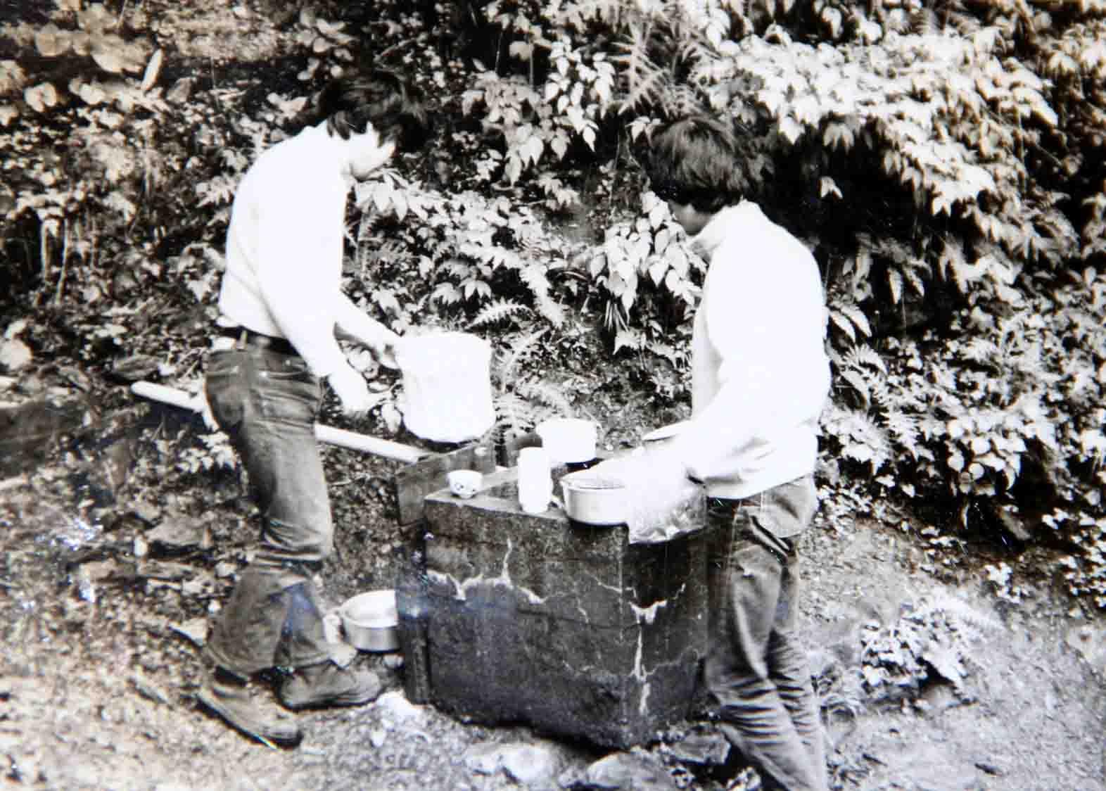 昔の水場(炊事の写真)