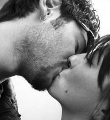 1105969_kiss.jpg