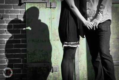 165_1couple_kiss_silhoutte_.jpg