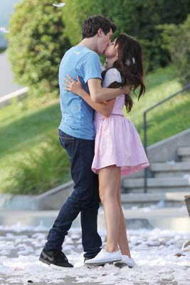 SELENA-GOMEZ-and-Nat-Wolff-.jpg