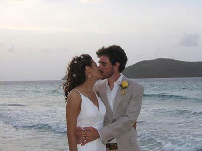 a-kiss-on-the-beach.jpg