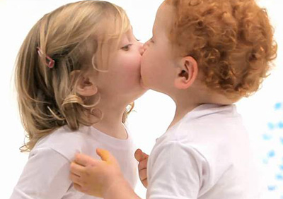 cute-baby-kiss.jpg
