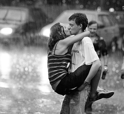 romantic-kiss-in-the-rain-w.jpg